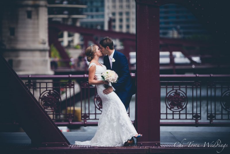 Chi-Town-Weddings-Bride and Groom Lasalle St Bridge, Chicago